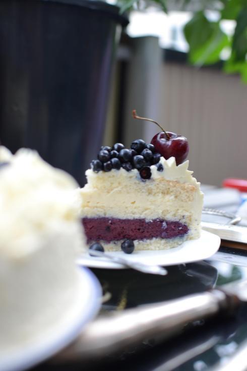 Blåbär- och vaniljtårta