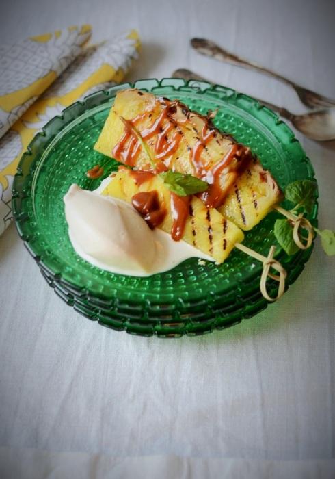 grillad ananas med klasås